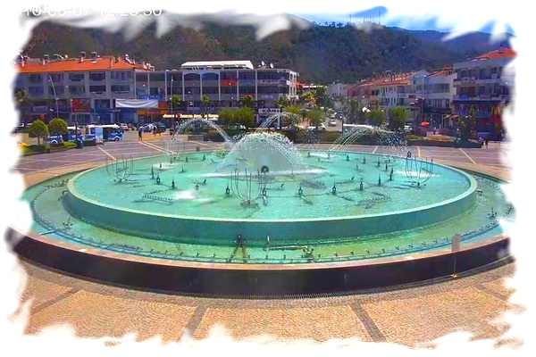 panoramic-webcam-marmaris-youth-square-with-a-fountain