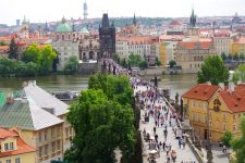 charles-bridge-in-prague-live-webcam