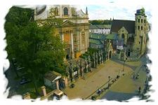 Live webcam Krakow – street with churches